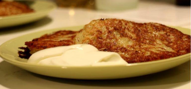 Как приготовить драники из картофеля - рецепт с фото пошагово