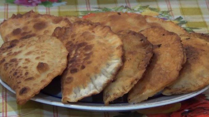 Чебуреки с фаршем рецепт пошаговый на сковороде 51