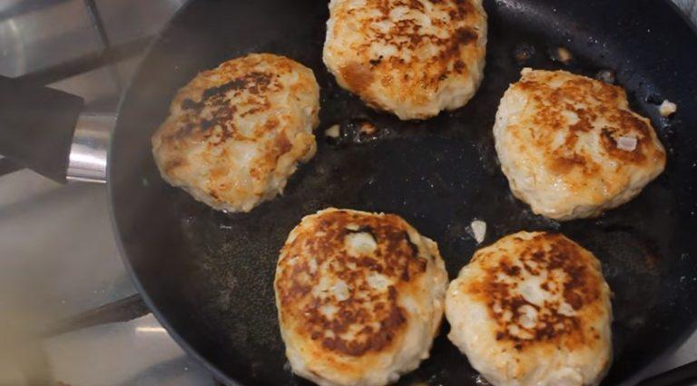 Котлеты из курицы: рецепт с фото. Простые и вкусные пошаговые рецепты вторых блюд на каждый день