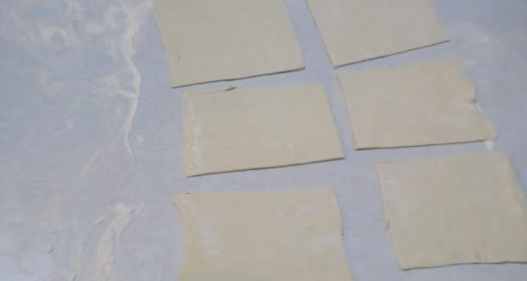 разрезаем тесто на квадраты