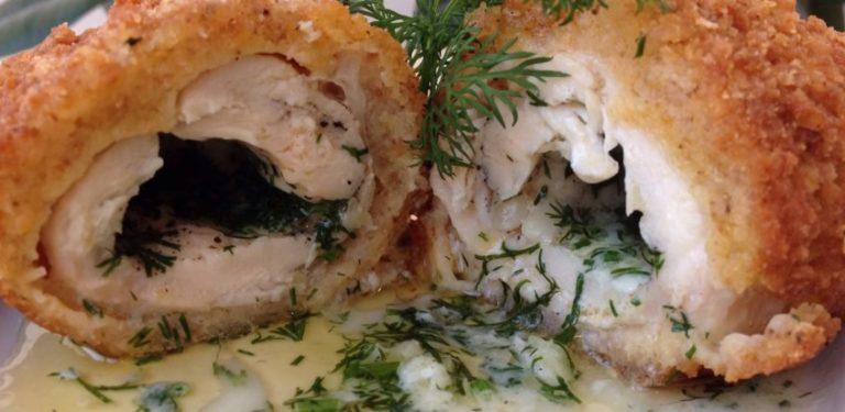 Нежные котлеты по-киевски из куриного филе: простой рецепт с пошаговым фото