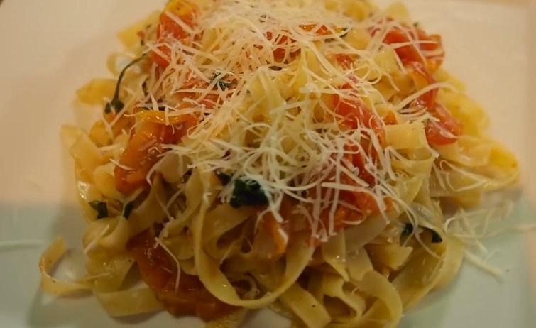 Паста с вялеными помидорами - превосходный рецепт итальянского блюда
