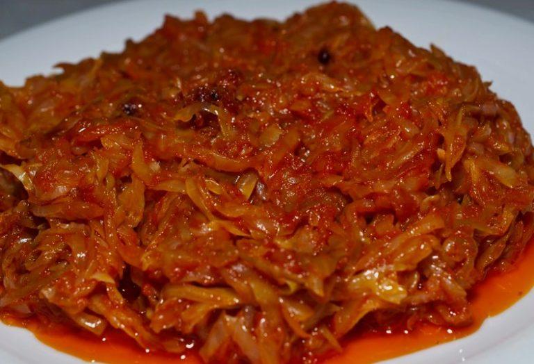 Квашеная капуста тушеная на сковороде - оригинальный рецепт с фото