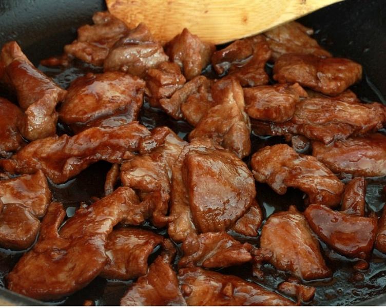 Рецепты из мяса свинины - просто и быстро на сковороде