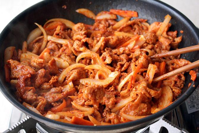 простое блюдо из мяса свинины