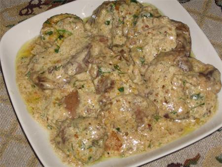 куриная печень с подливкой рецепт с фото со сметаной