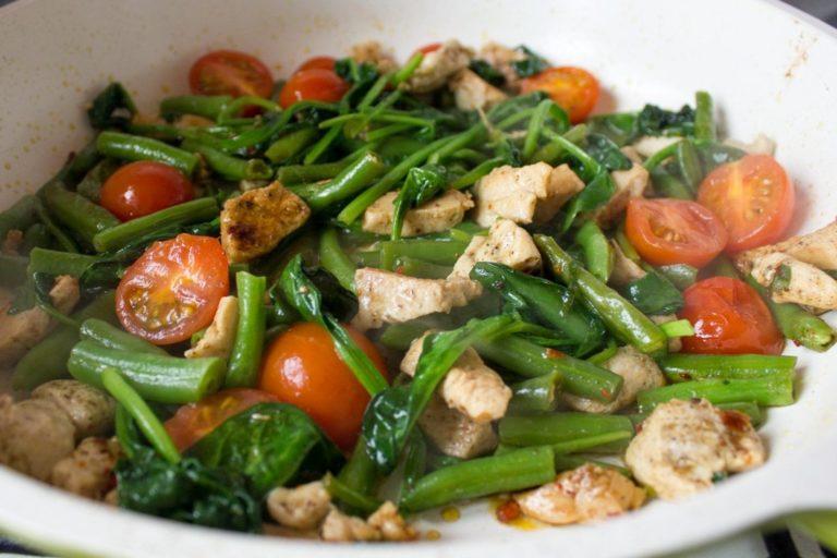 ингредиенты для курицы с фасолью