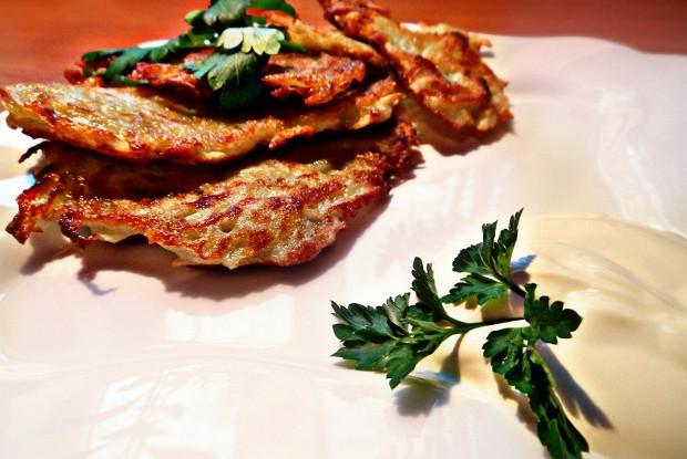 Картофельные драники: как приготовить простую закуску в домашних условиях
