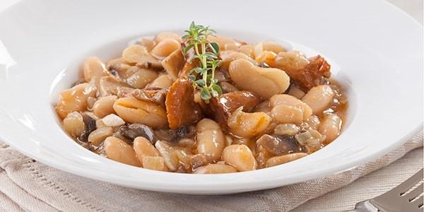 Фасоль с грибами в сливочном соусе, простой пошаговый рецепт приготовления