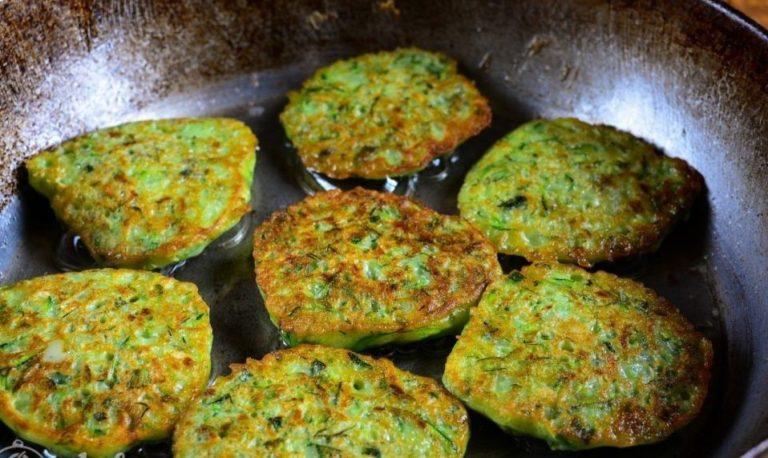 Простой рецепт кабачковых оладий с сыром