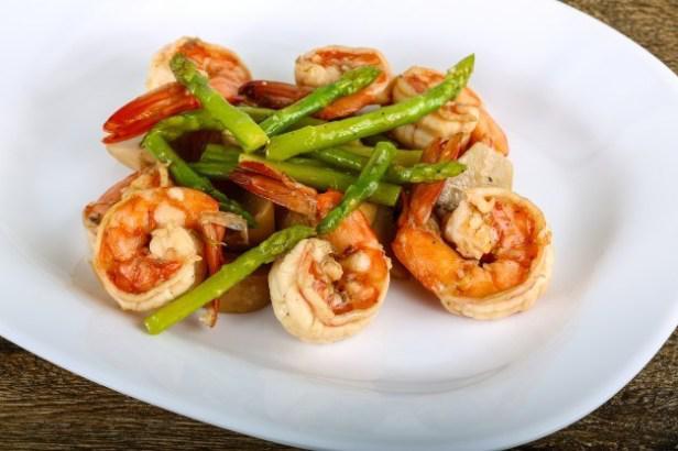 Спаржа с креветками — готовим вкусный и полезный ужин, пошаговый рецепт с фото, быстро и просто.