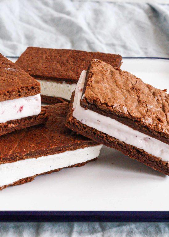 Мороженое-сэндвич – простой и быстрый летний рецепт