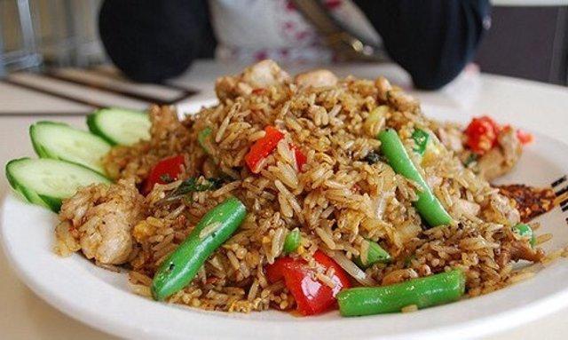 Сытный рецепт риса с курицей и овощами – вкусно, недорого и быстро!