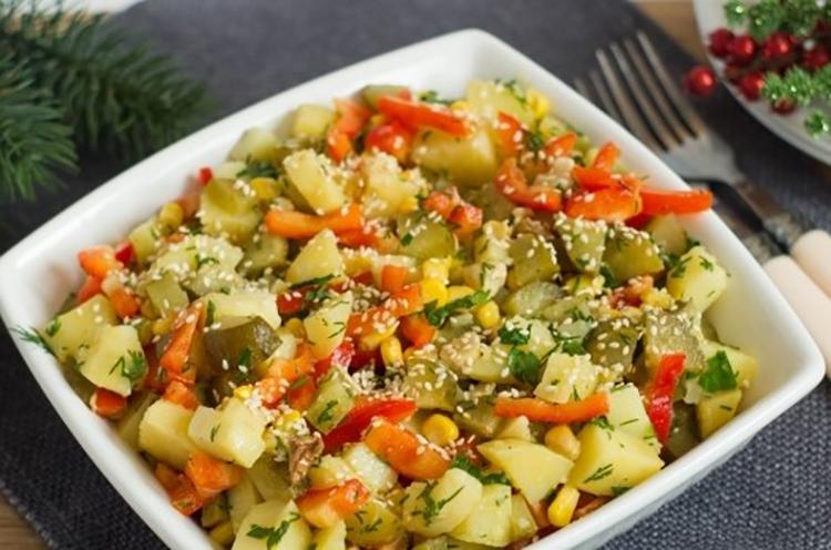 Вкусный и полезный картофельный салат – рецепт для всей семьи!