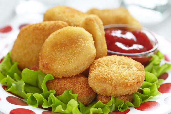 Аппетитные куриные наггетсы – простой рецепт любимой закуски!