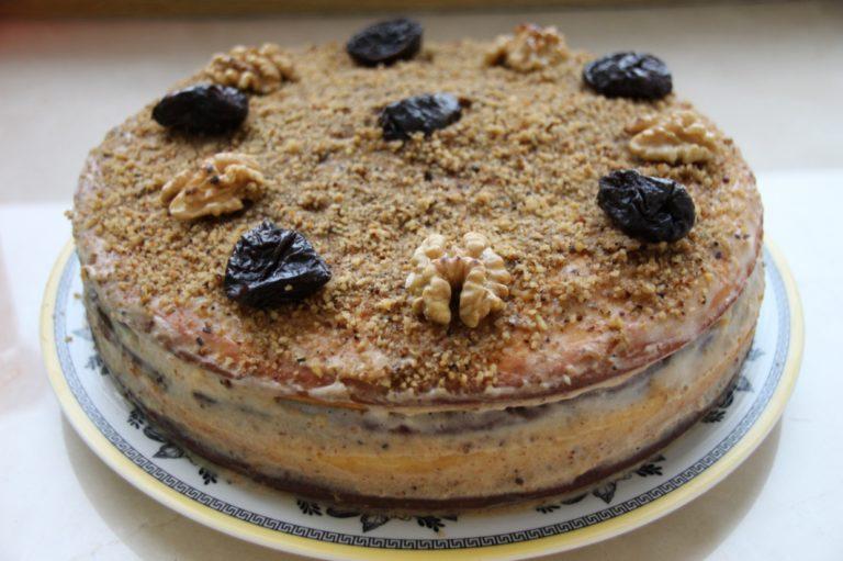 Торт с черносливом – чудесный десерт с пошаговым рецептом