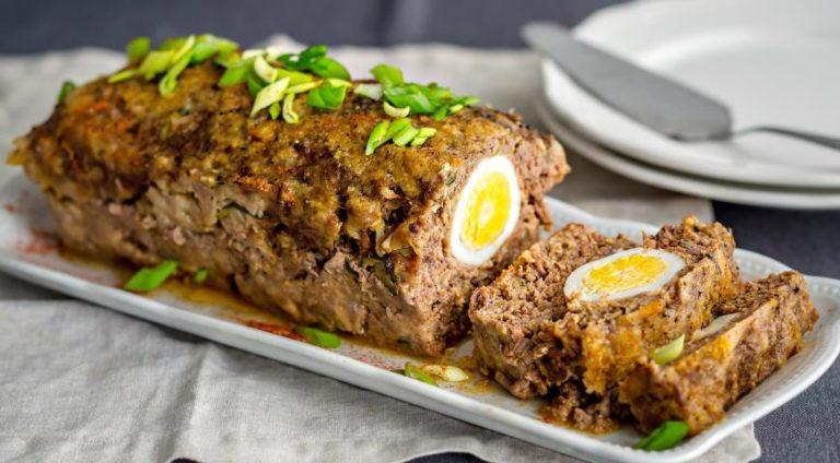 Рулеты с мясом и тушеным луком, с гарниром – пошаговый рецепт с подробной инструкцией и фото