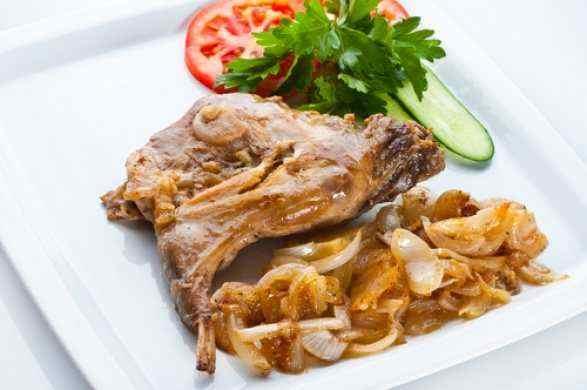 Не только ценный мех – удивительно нежное, диетическое блюдо из кролика: самый удачный рецепт с фото