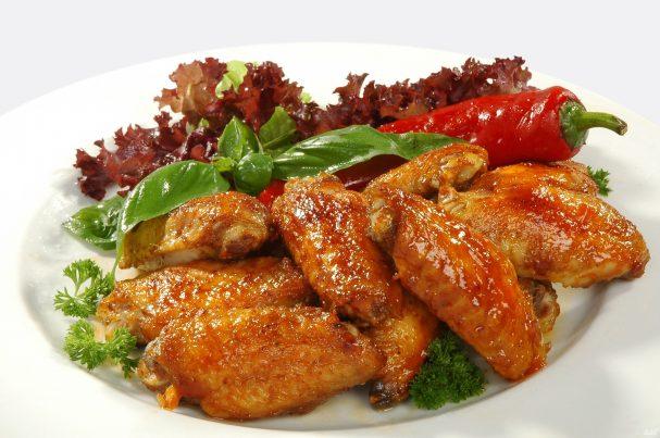 Ароматные куриные крылышки в панировке – рецепт шеф-повара!