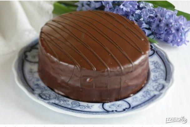 Любимый шоколадный торт Прага, настоящий кулинарный шедевр, который можно приготовить дома по рецепту с фото