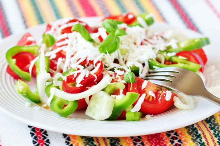 Салат шопский – готовим просто на любимой кухне