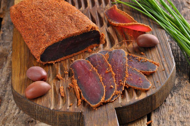 Бастурма из свинины – мясная закуска на все праздники