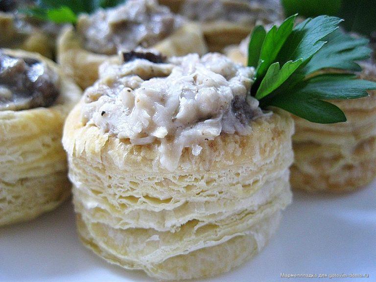 Волованы с мясом – вкусная соленая выпечка по простому и легкому рецепту с фото