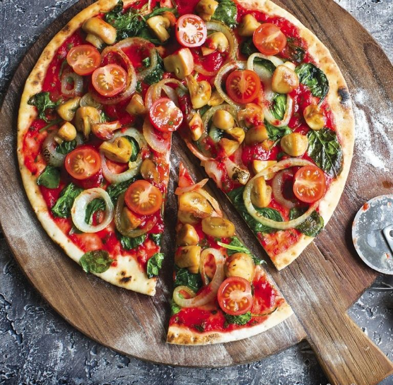 Пицца – три различных варианта приготовления пиццы по очень простому рецепту с подробной инструкцией