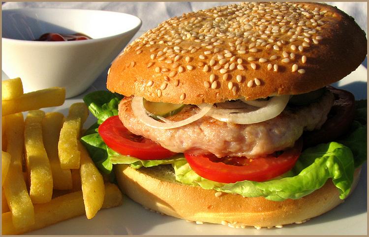 Бургер с курицей – рецепт вкусного и сытного ужина для взрослых и детей