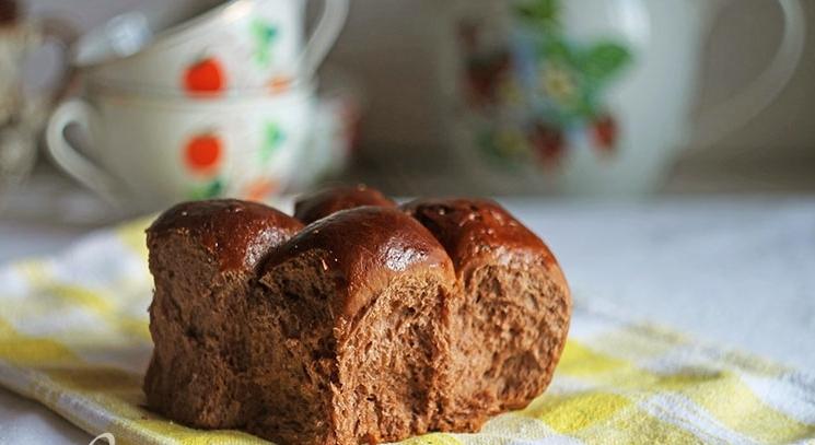 Шоколадные булочки – простой рецепт вкусной выпечки для всей семьи с подробной инструкцией