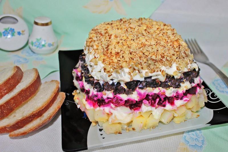 «Графский» салат - готовим изысканное угощенье на праздничный стол