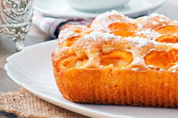 Абрикосовый пирог (с опарным дрожжевым тестом) - вкусная и ароматная домашняя выпечка, тающая во рту