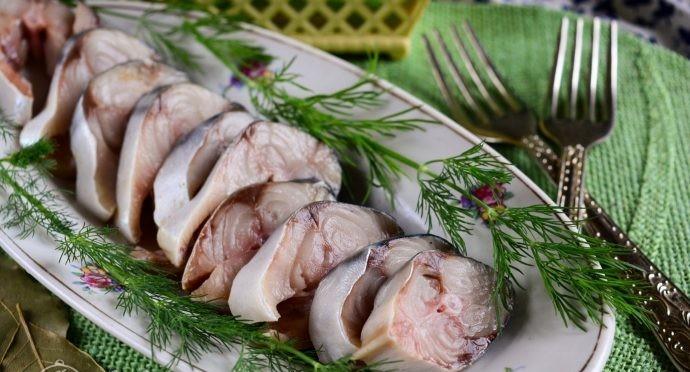 Оригинальный рецепт маринованной скумбрии всего за 1 час