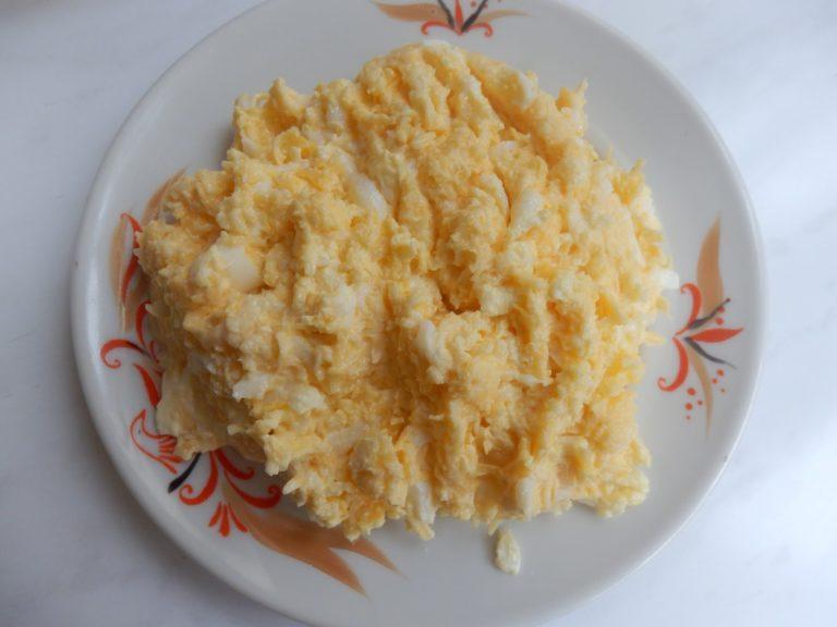 Нежный сырный салат с ветчиной – рецепт на праздничный стол и каждый день!