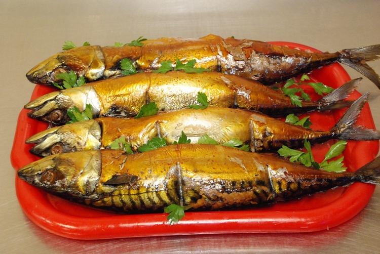 Рецепт ароматной рыбы горячего копчения в домашних условиях в духовке с фото