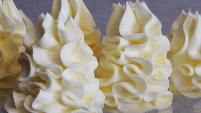 Крема для торта – восьмерка проверенных и универсальных рецептов для ваших кондитерских шедевров! Подробные инструкции, кулинарные хитрости и фото 8 разных и очень вкусных рецептов крема для тортов – обязательно сохраните на будущее!