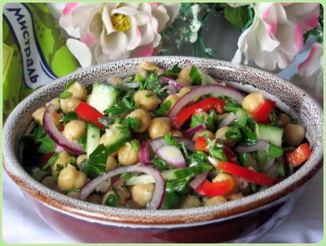 Салат с нутом – быстрый рецепт вкусного и сытного обеда, готовим вместе
