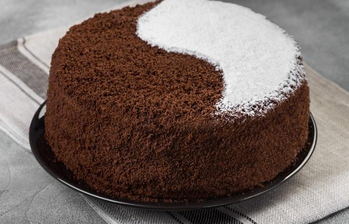 Торт день и ночь – популярный десерт для праздников и на каждый день. Несколько простых рецептов с фото и инструкциями