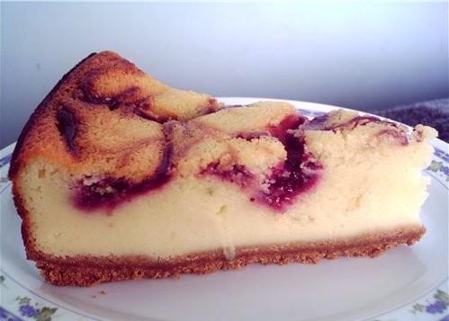 Мраморный чизкейк с ягодами – вкусный домашний десерт для всей семьи