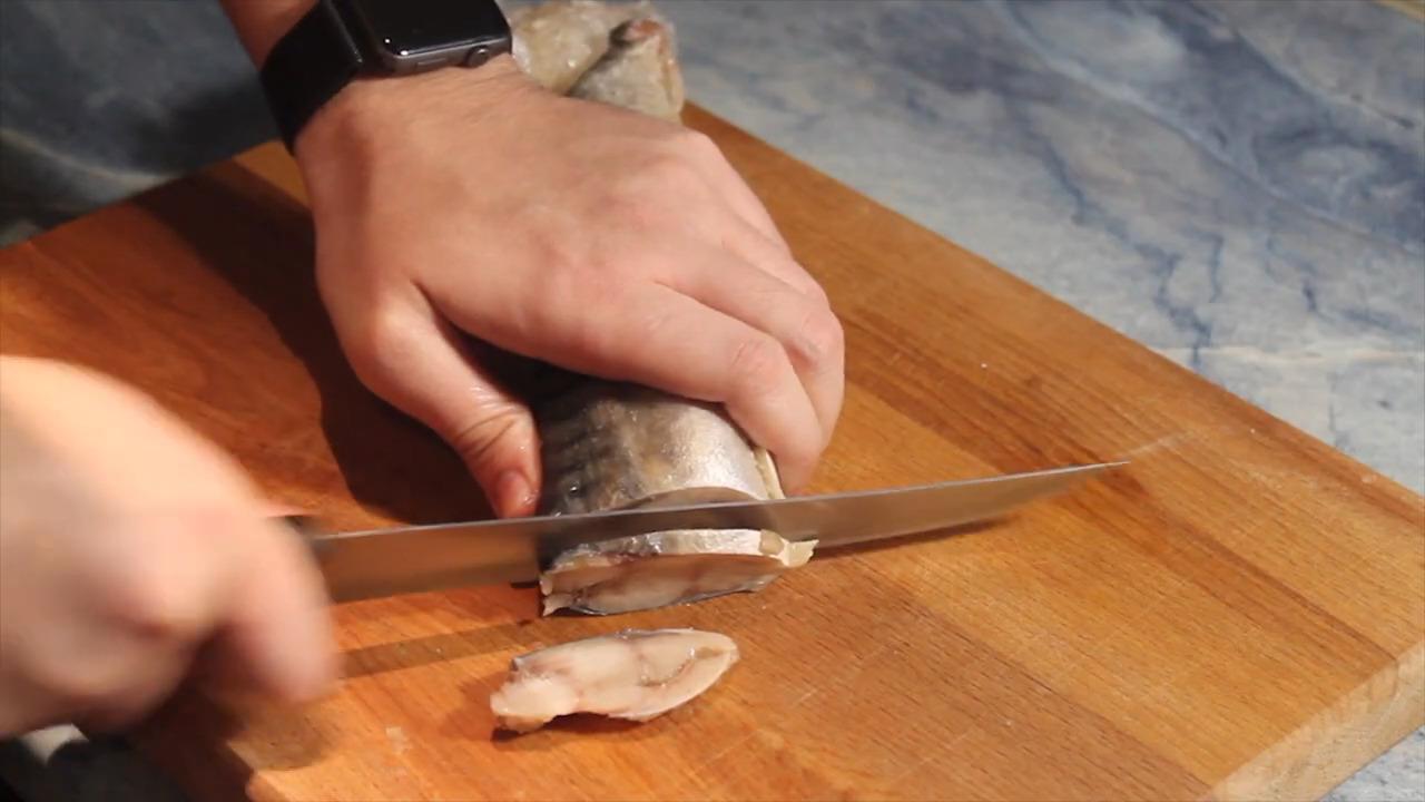 Строганина из скумбрии, пошаговый рецепт